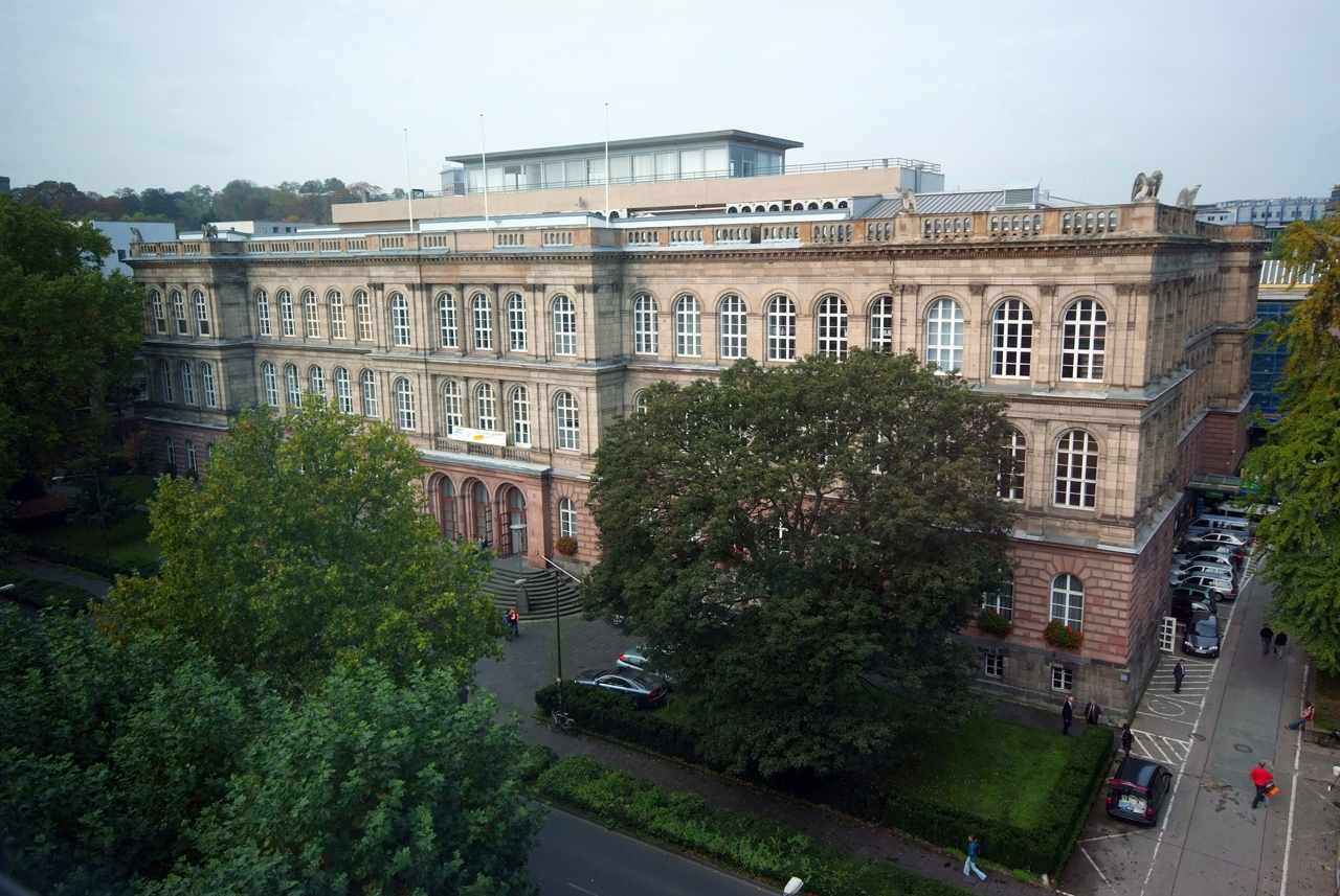 View of RWTH Aachen Main Building from the front right corner, diagonally
