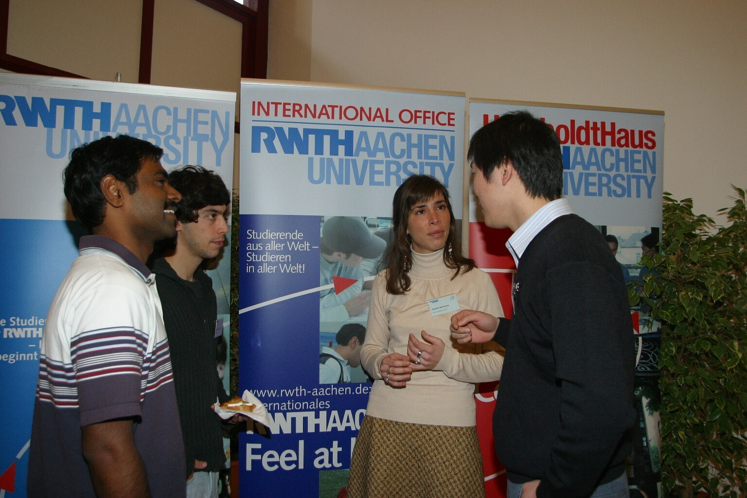 International researchers in conversation