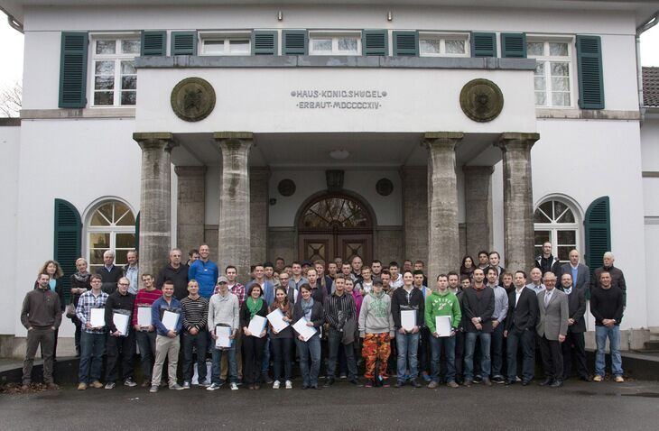 Group photo of 2013 RWTH apprentices
