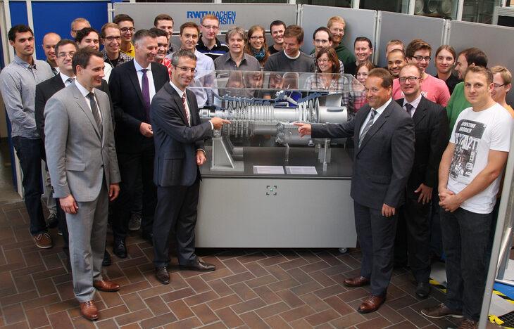 Siemens bergibt gasturbinen modell an die rwth aachen for Chambre commerce tunisie