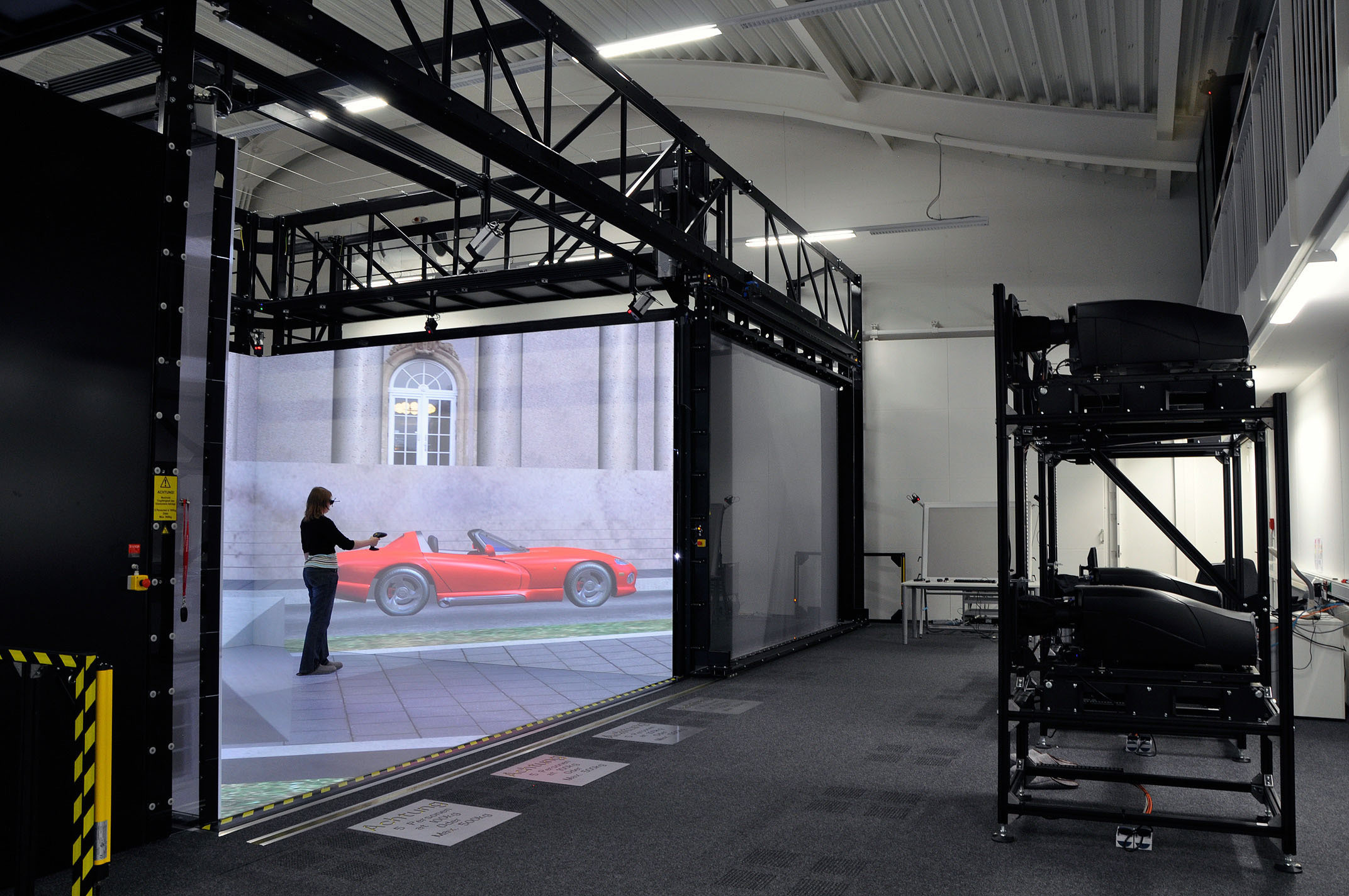 Simulationen eines Autos in der CAVE
