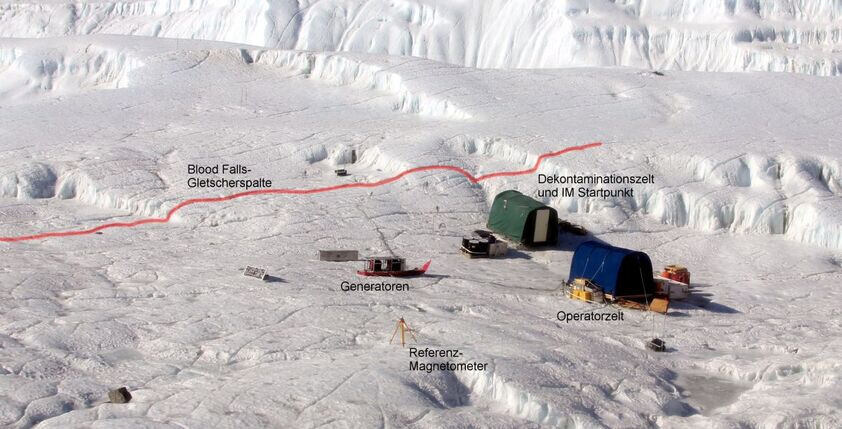 Expedition camp on the glacier