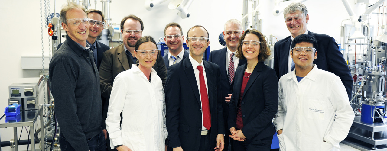 Representatives from RWTH Aachen and the Henkel Board at the opening ceremony for the HICAST Innovation Campus
