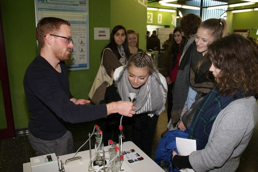 Visitors at the 2015 Day of Biology and Biotechnology