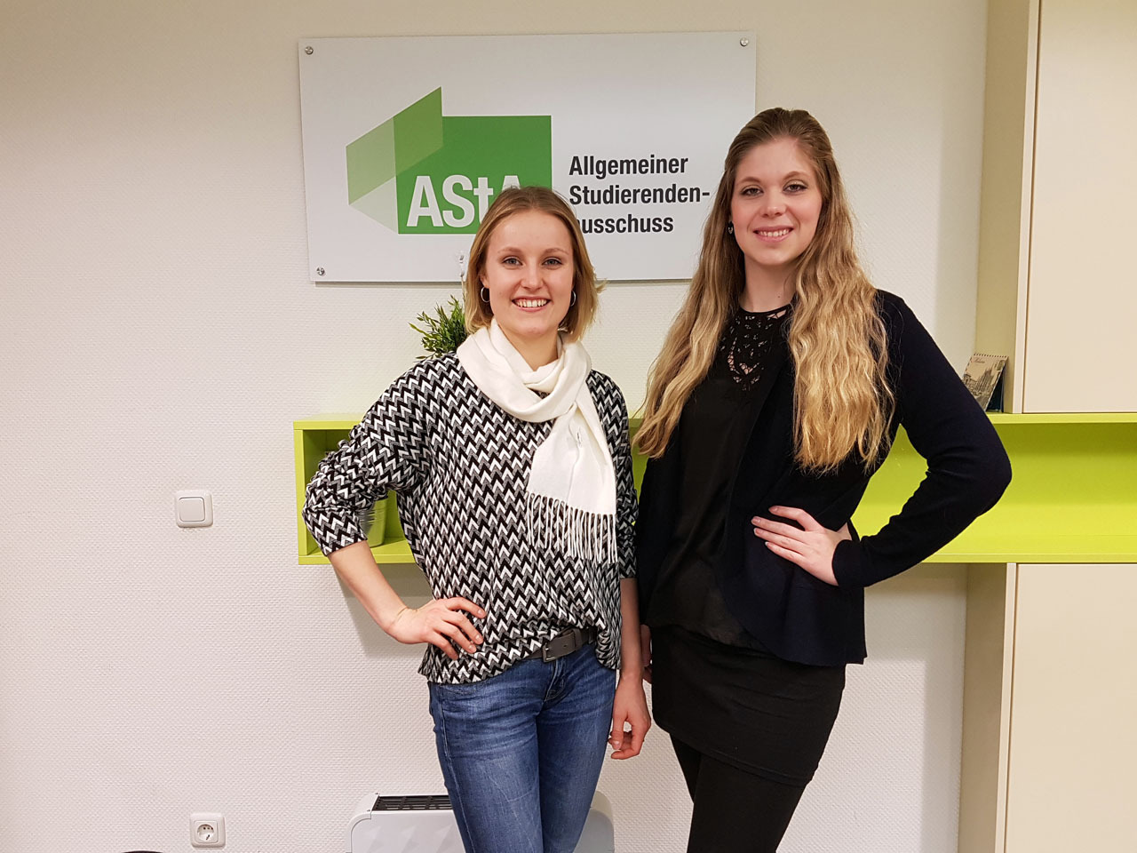 The two Representatives for Disabled and Chronically Ill Students, Eva Malecha and Svenja Blömeke