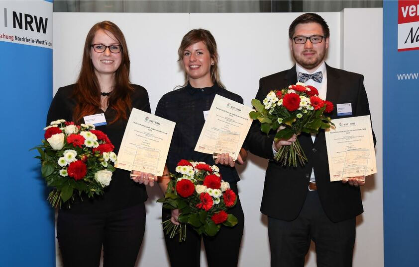 Students receiing research awards