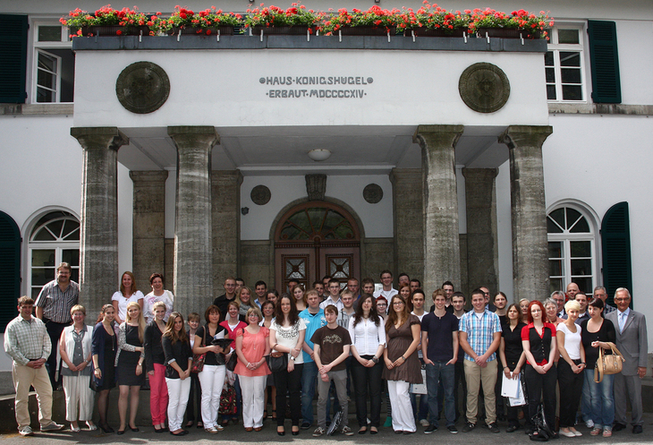 Group photo of vocational training celebration of RWTH apprentices